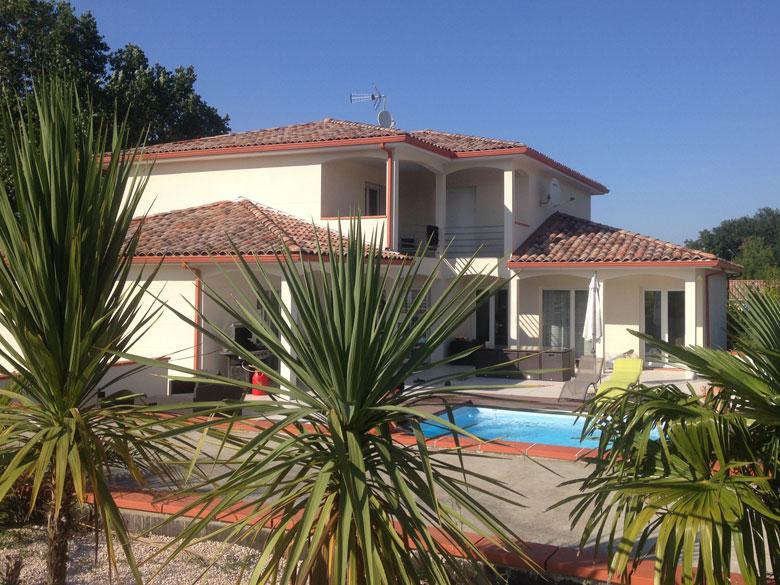 Villa spacieuse avec piscine